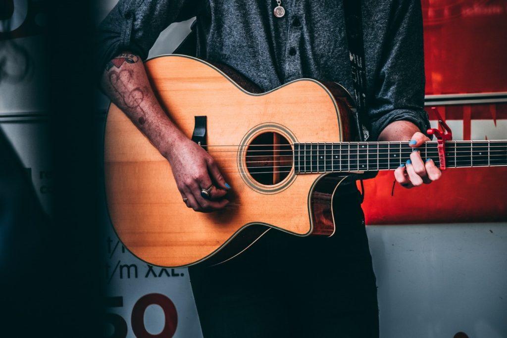 guitare-jumbo