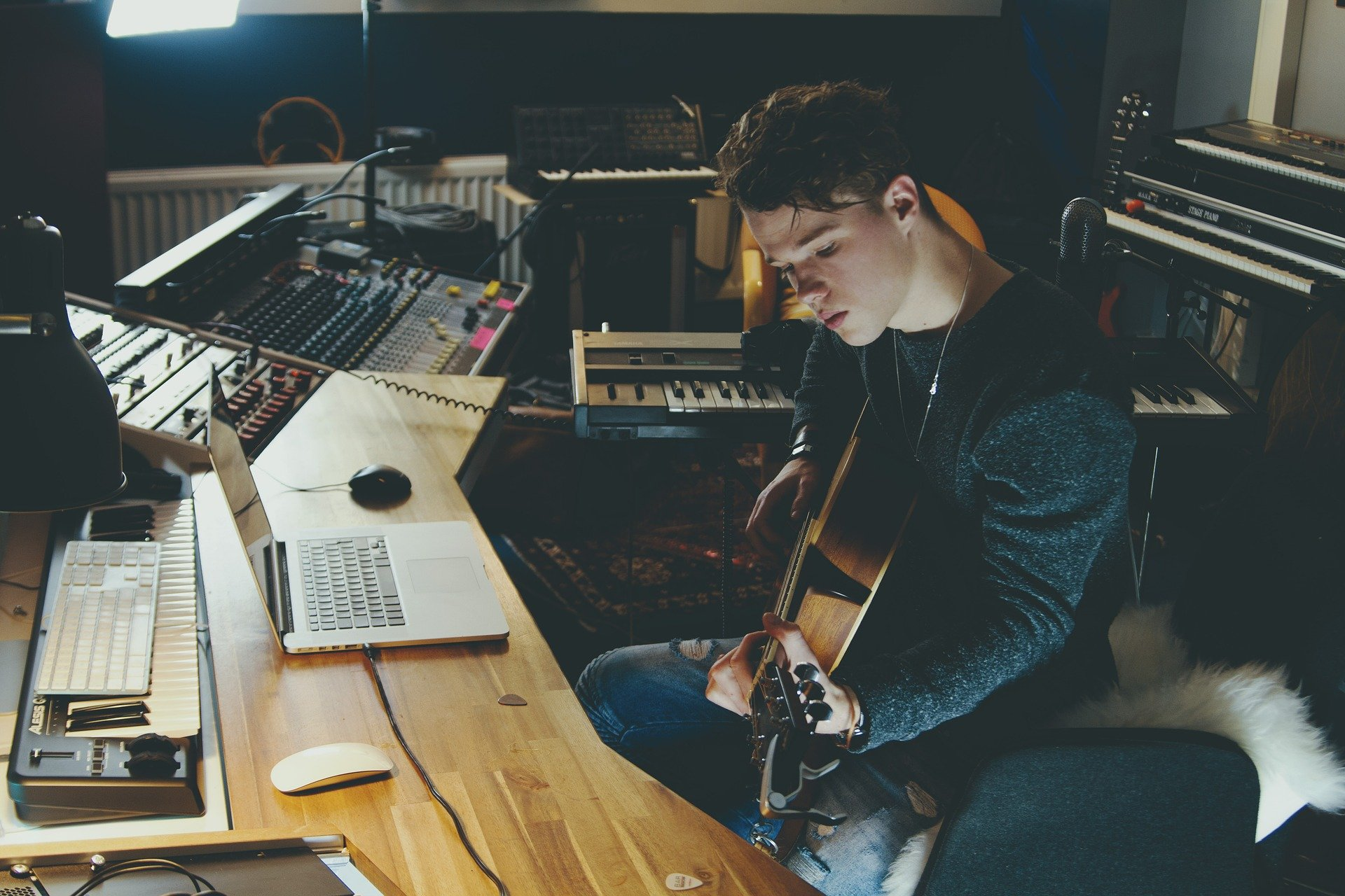 composer-chanson-guitare