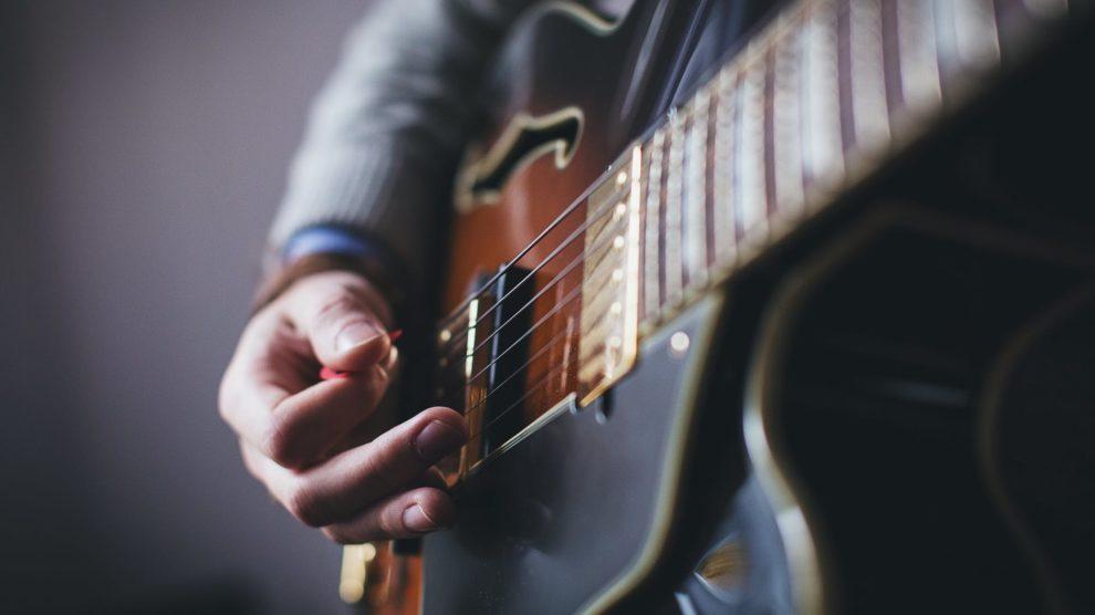 apprendre-guitare-autodidacte