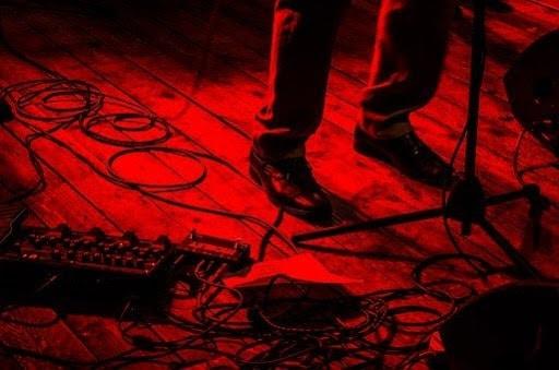 accessoires-indispensables-pour-guitare-cable-jack